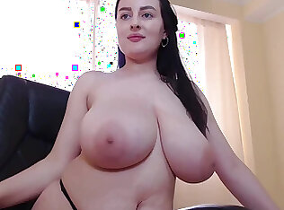 Payudara besar gemuk mendung solo webcam